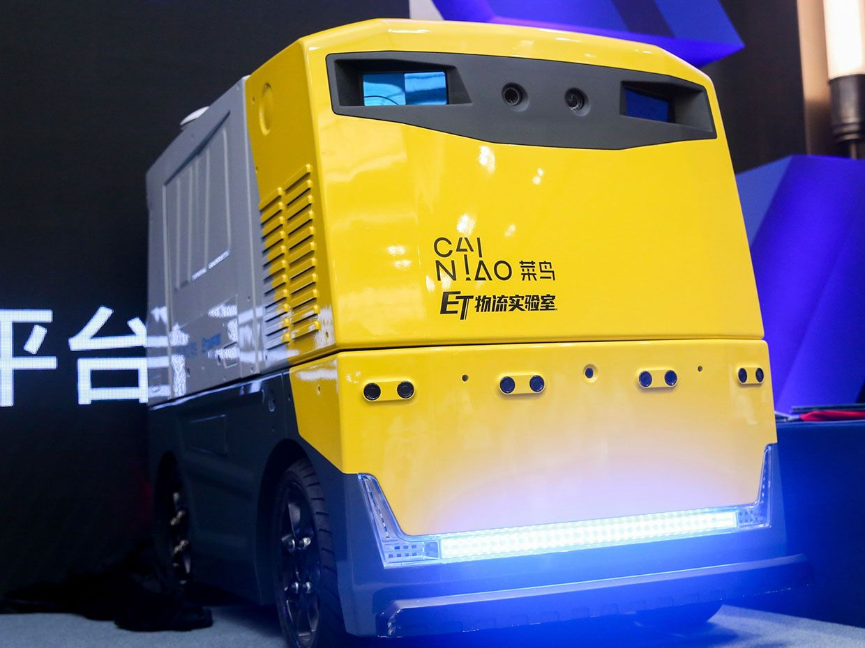 Alibaba has built the world's first self-driving truck guided by solid-state lidar.