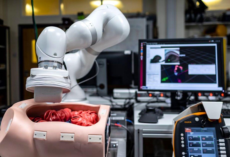 Colonoscopy robot endoscope