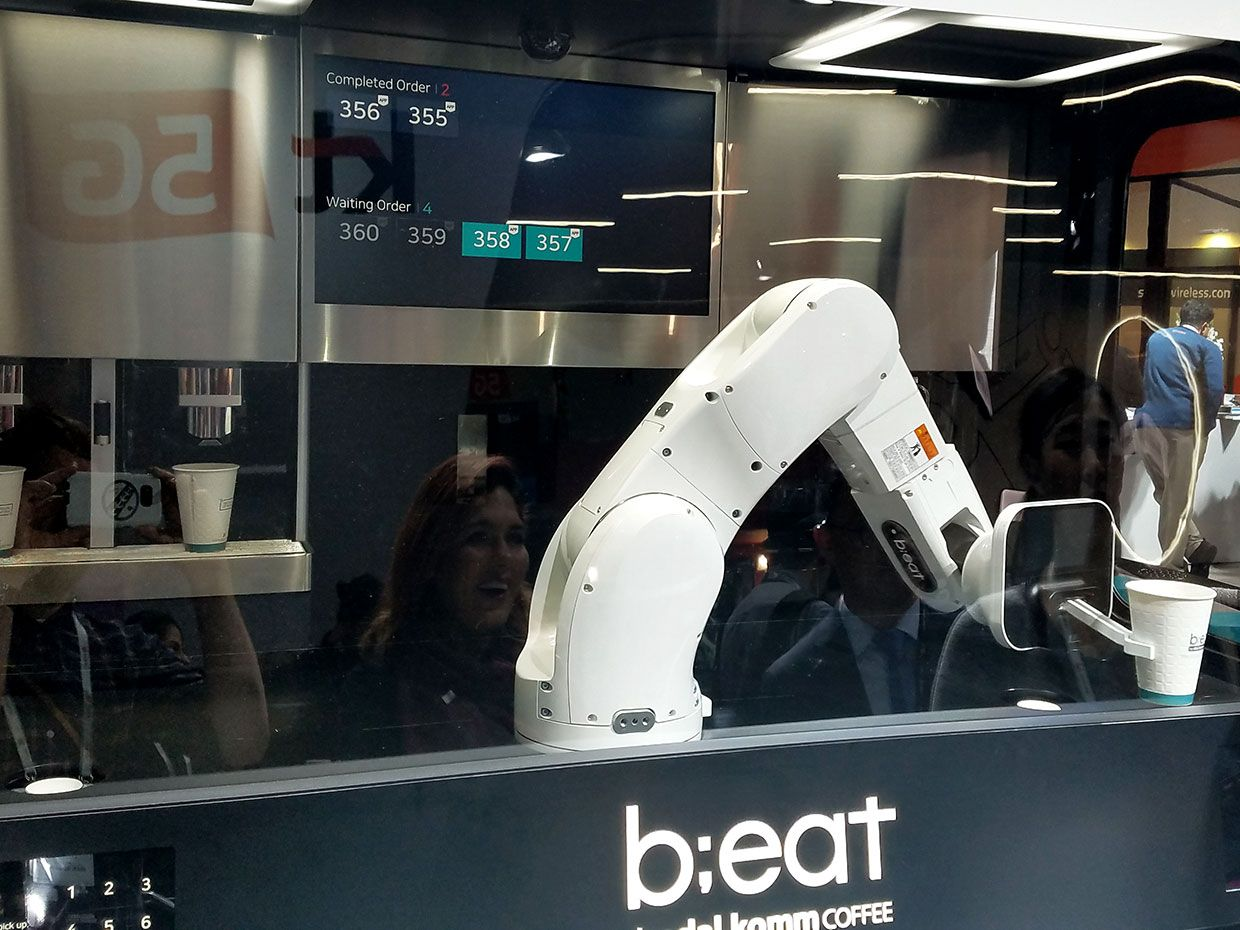 Dal.Komm Coffee's Beat robot provides caffeine sustenance to attendees of MWC Barcelona.