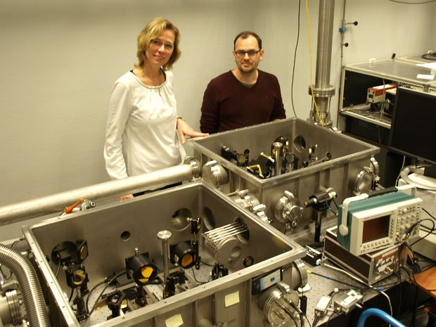Controlling Qubits in Silicon at Picosecond Speeds