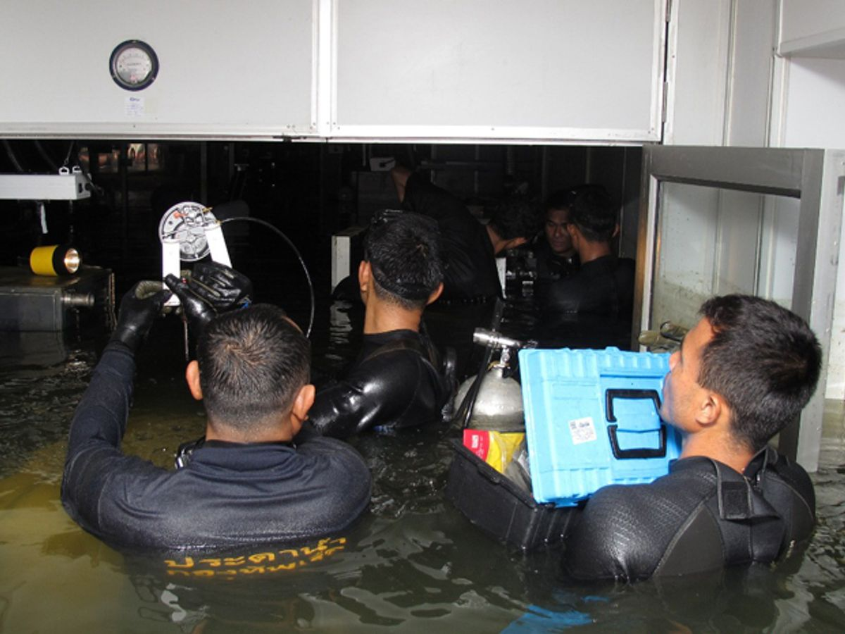 Thai Navy divers were called in to salvage disk drive manufacturing tools. Their efforts contributed to a quick recovery.