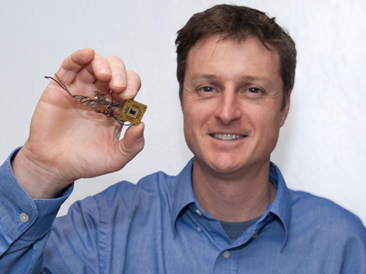 Nano-antenna Arrays May Yield Ultra-Efficient Solar Devices