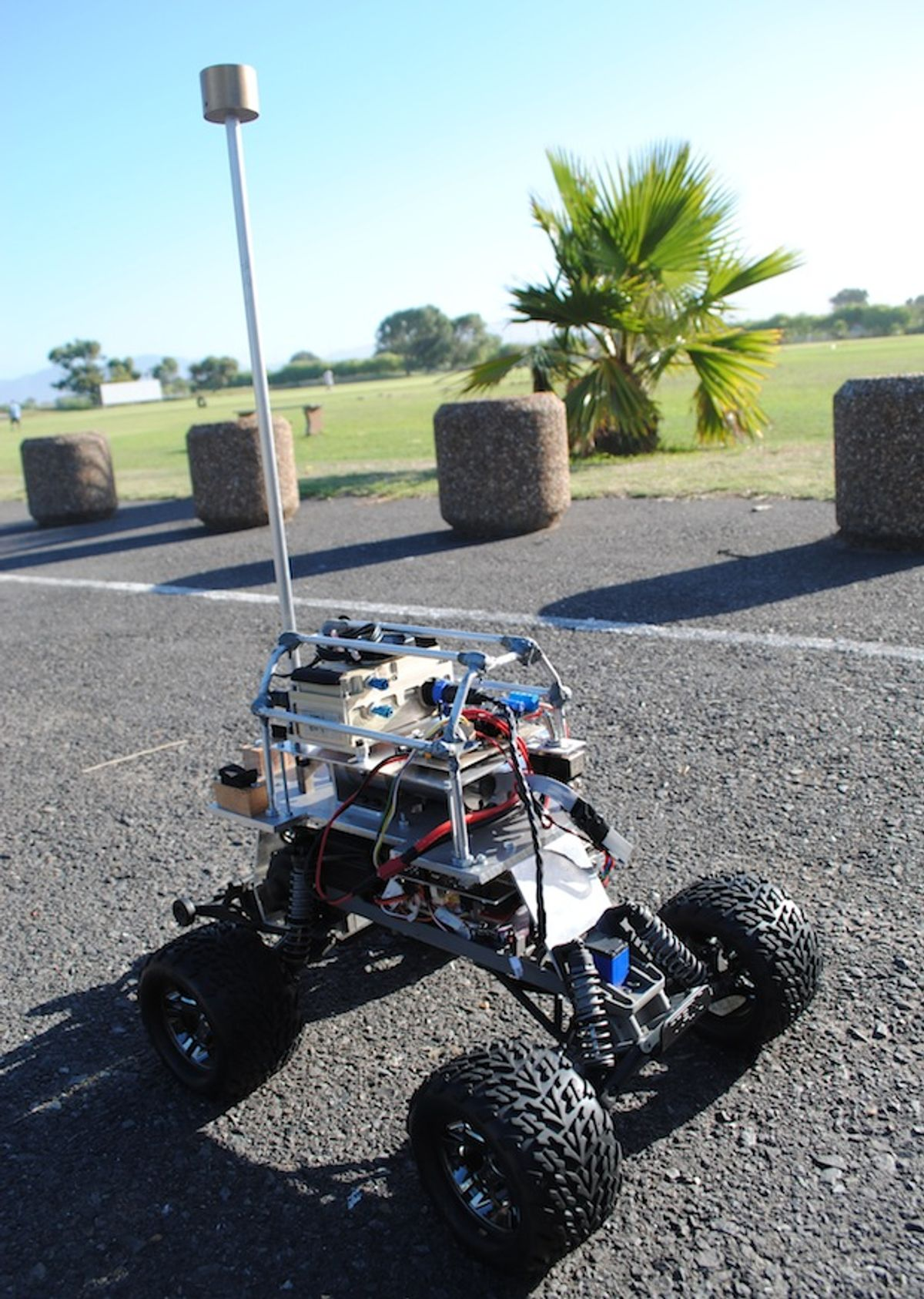 IROS 2013: Robot Cars Get Hyper-Maneuverable With Actuated Tails