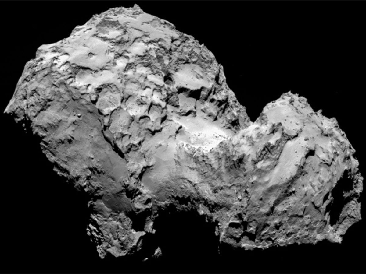 Europe's Comet-Chasing Probe Arrives After 10-Year Trek
