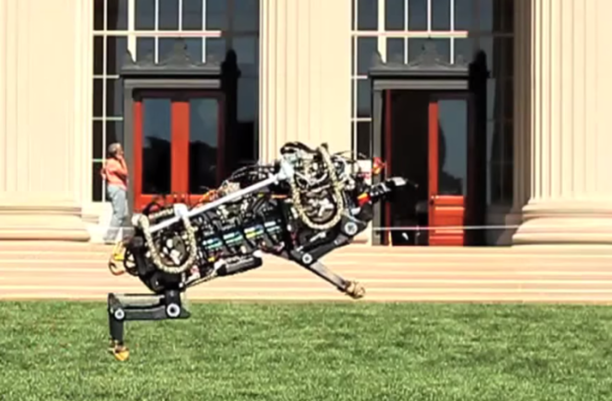 MIT Cheetah Robot Bounds Off Tether, Outdoors