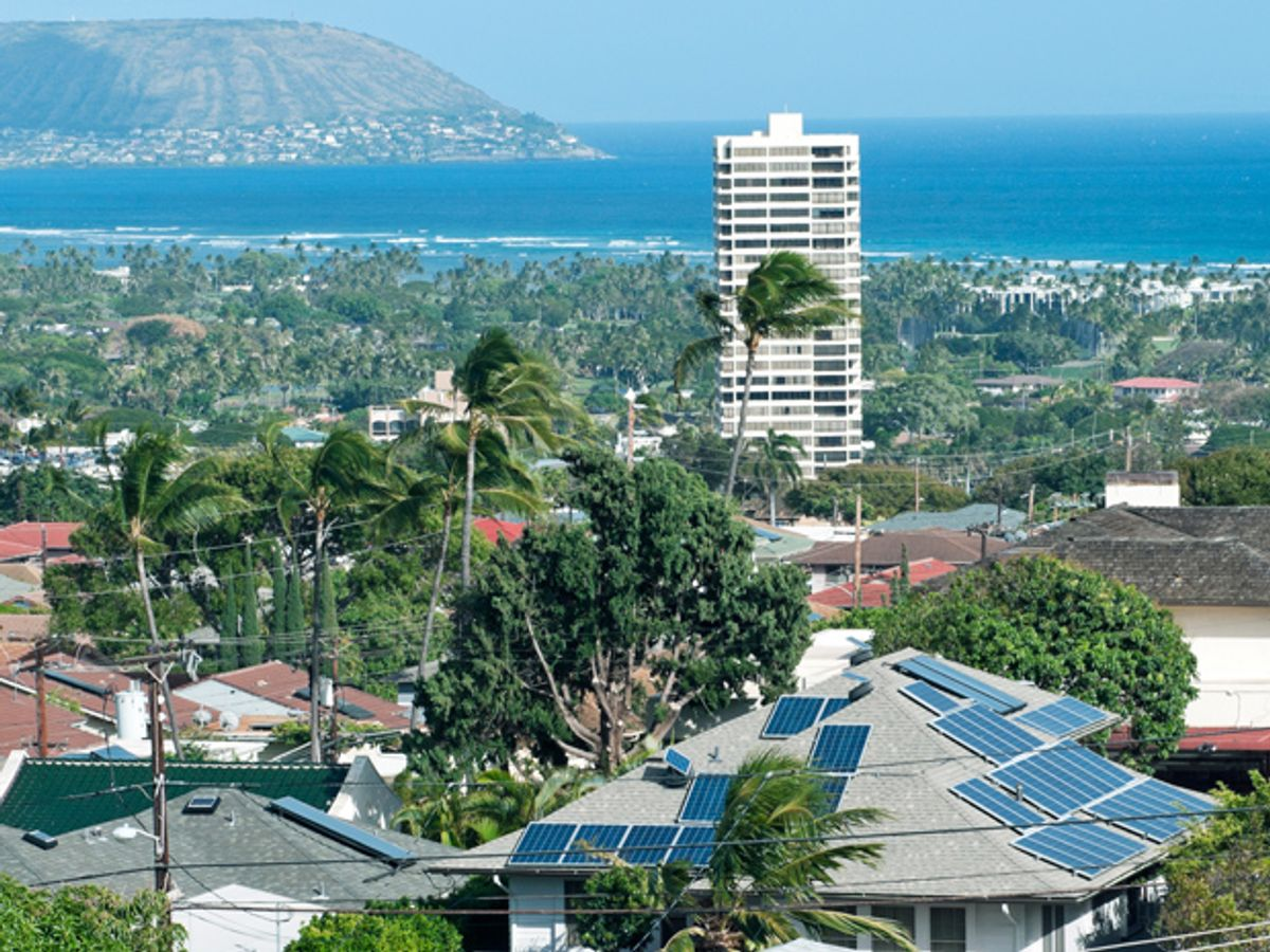 800,000 Microinverters Remotely Retrofitted on Oahu—in One Day