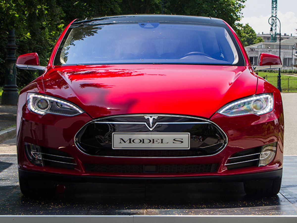 Tesla Hands Self-Driving Technology to Select Customers