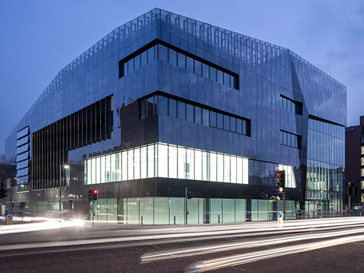 UK's National Graphene Institute in Revolt After Foreign Tech Grab