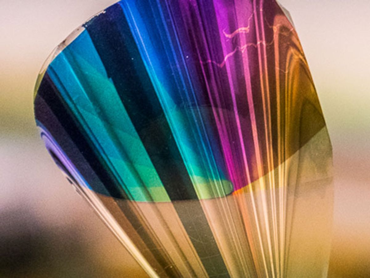 Reflection spectra in air of the red, green, and blue samples for different angles