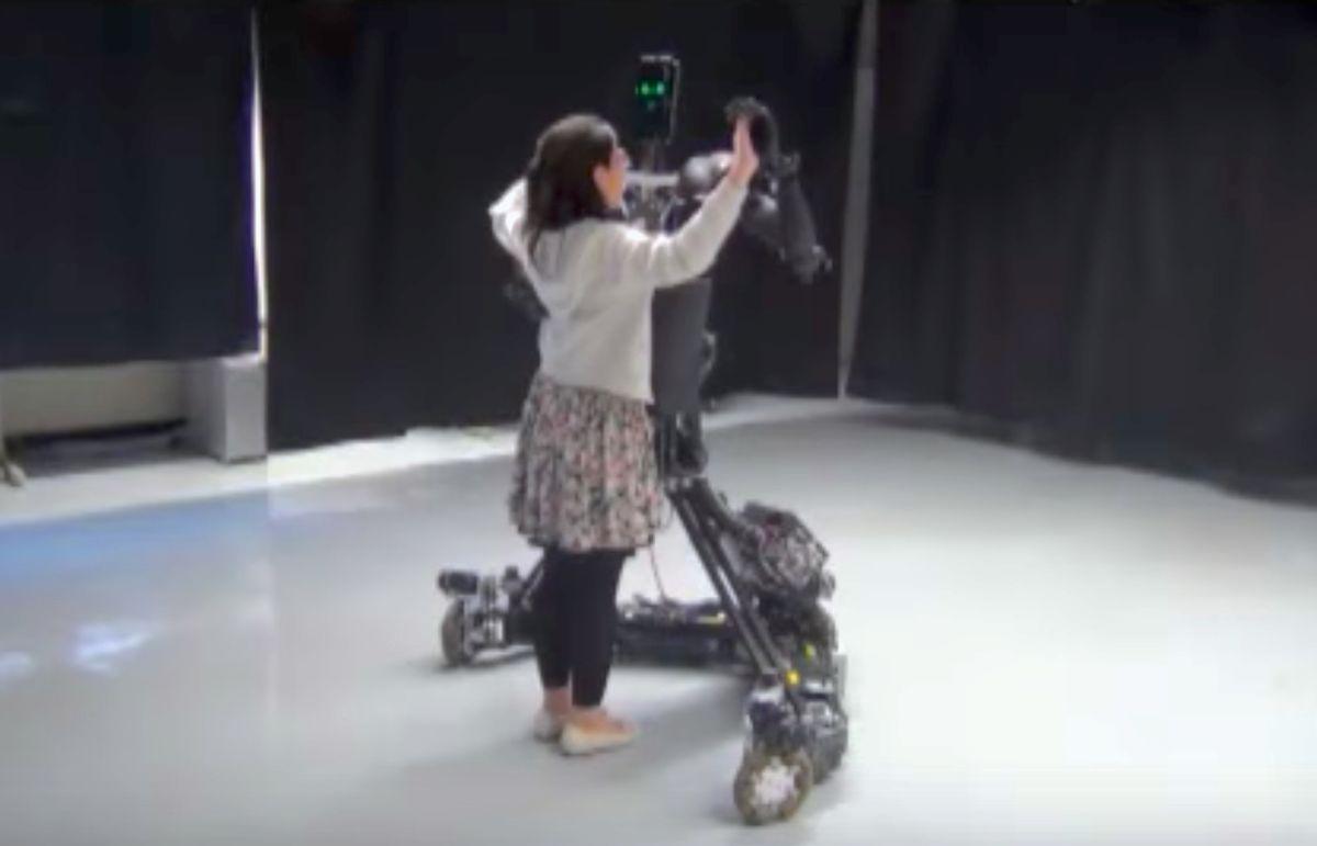 Robot Dance Teacher