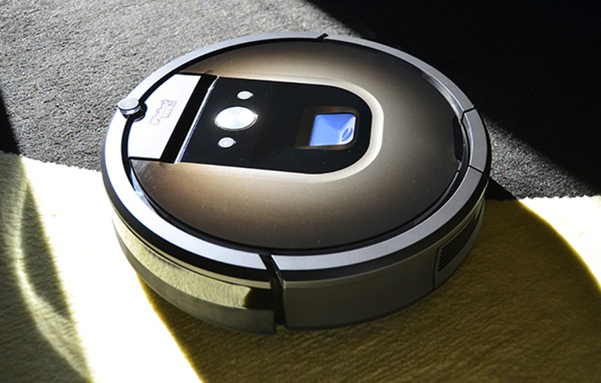 A photo of the Roomba 980 on a carpeted floor.
