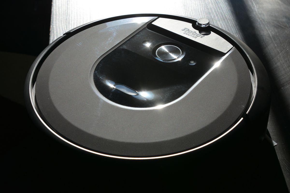 Roomba i7+