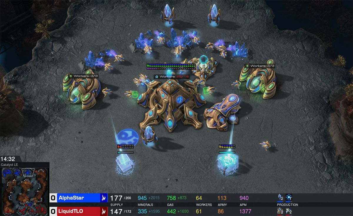 AI AlphaStar battles LiquidTLO in StarCraft II.