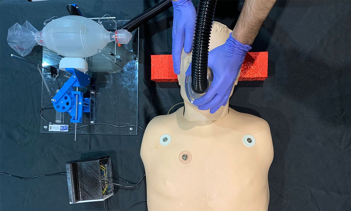 The University of Glasgow's GlasVent interim ventilator supplies air to the artificial lungs of a mannequin.