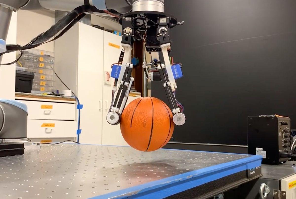 Stanford robot roller grasper