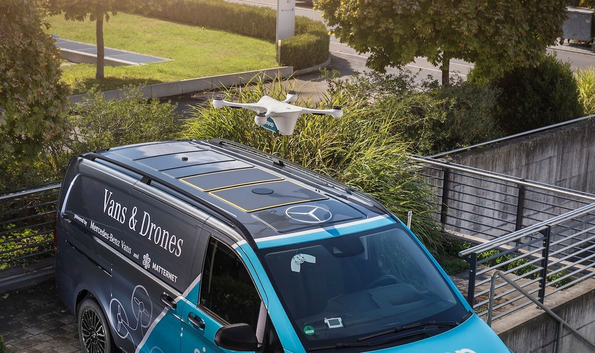 Mercedes-Benz Vans, Matternet, and Siroop started a pilot project for on-demand delivery of e-commerce goods in Zurich