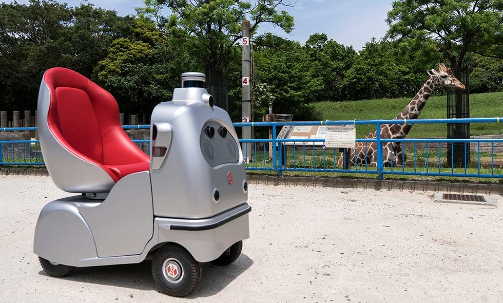 While Japanu2019s Chiba Zoological Park was temporarily closed due to the pandemic, the zoo used an autonomous robotic vehicle called RakuRo, equipped with 360-degree cameras, to offer virtual tours to children quarantined at home