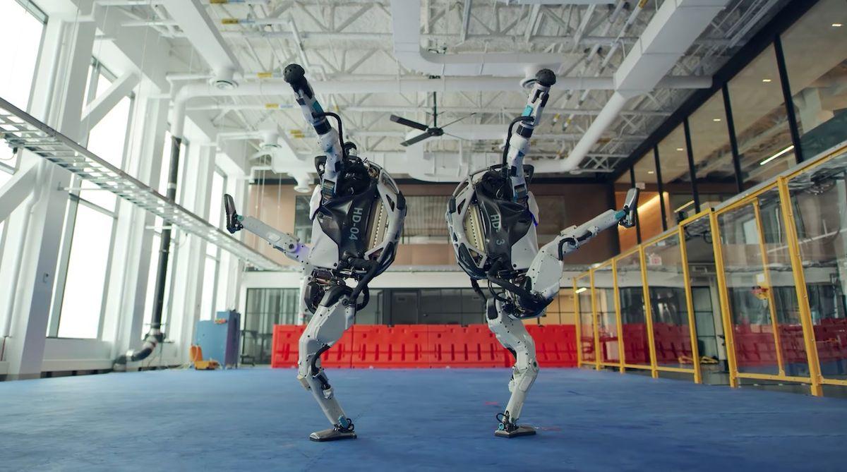 Atlas robots dancing