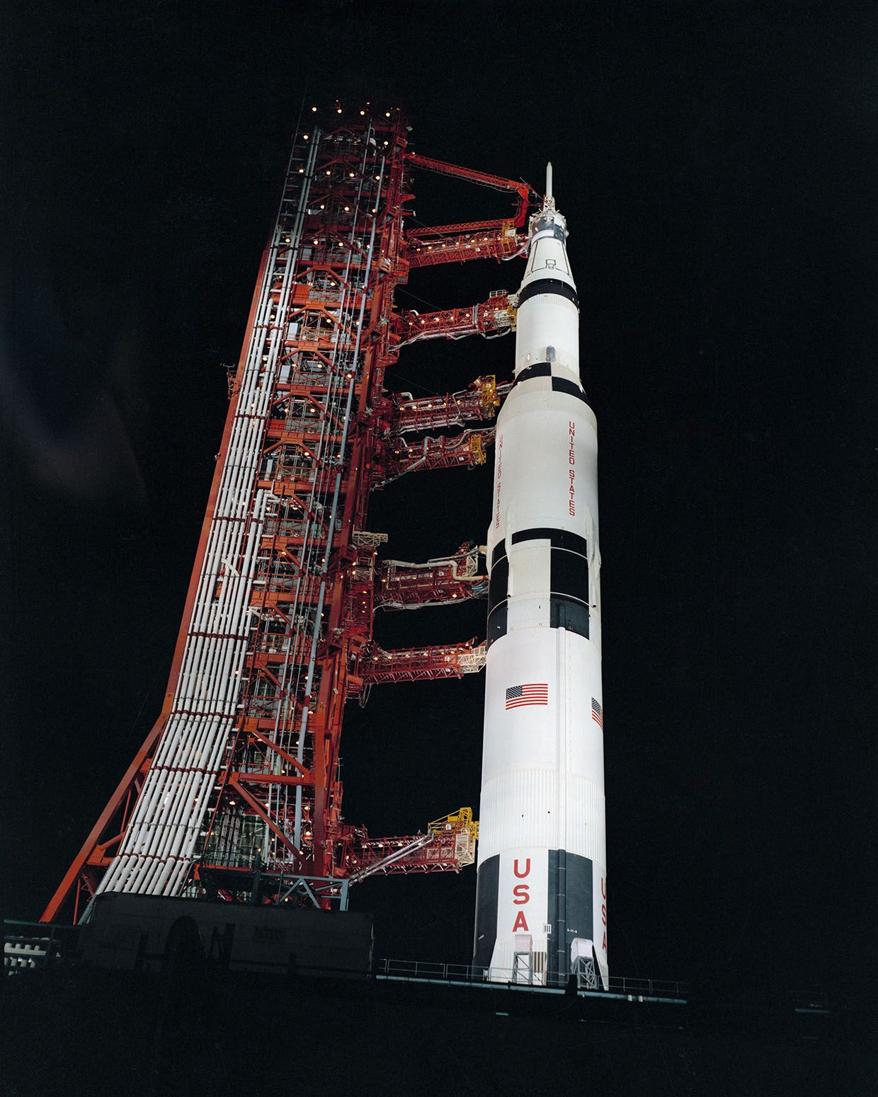 Apollo 13 We Have A Solution Ieee Spectrum How To Build Smart Automotive Circuit Breaker Permanent The Saturn V