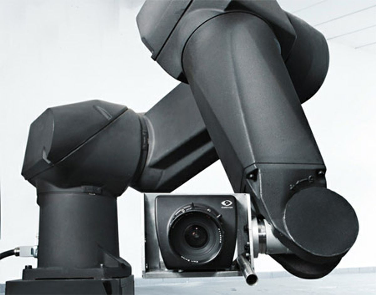 Robotic Motion Control Enables Breathtaking High-Speed Video