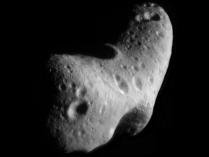 Nasa.NearEarthAsteroid.Eros.479605main_eros_full
