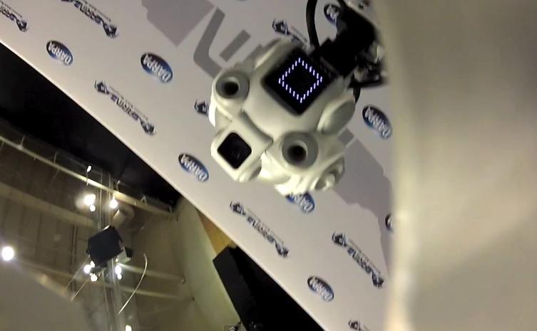Te atreverias que un robot te toque la cara con sus pinzas? Darpa%20arm%20robot%203-1337803087631