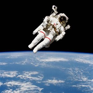 photo of Astronaut Bruce McCandless II on the Manned Maneuvering Unit (MMU)