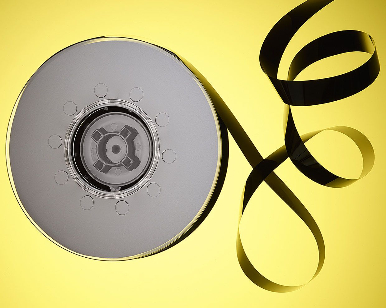 2d7ec357a76 Why the Future of Data Storage is (Still) Magnetic Tape - IEEE Spectrum