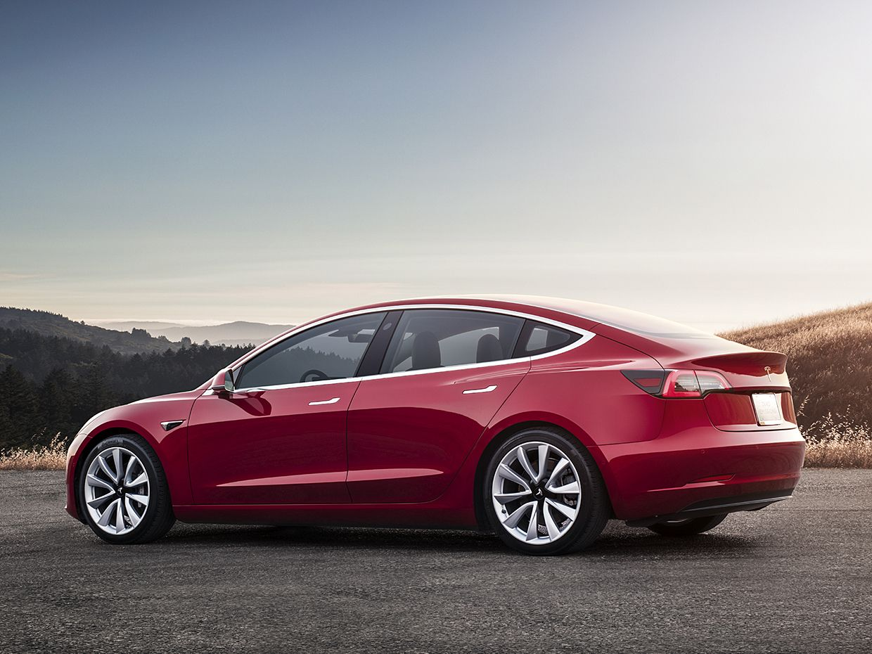 Photo Tesla The Baseline Model 3 Can Cover 350 Kilometers 220 Miles On A Single Charge For Us 9 000 More You Go 500 Km 310