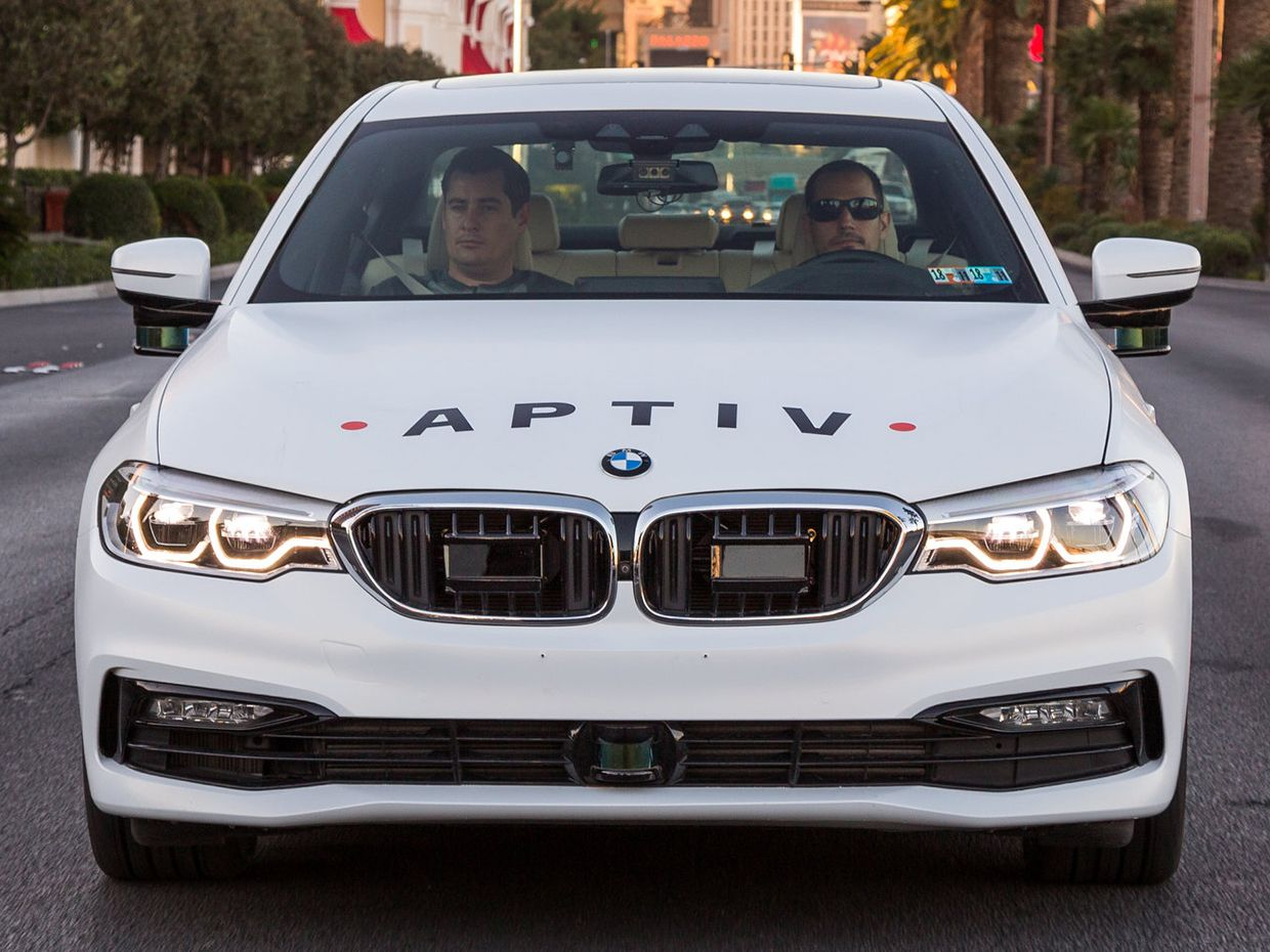 The nine lidars of Aptiv's test BMW.