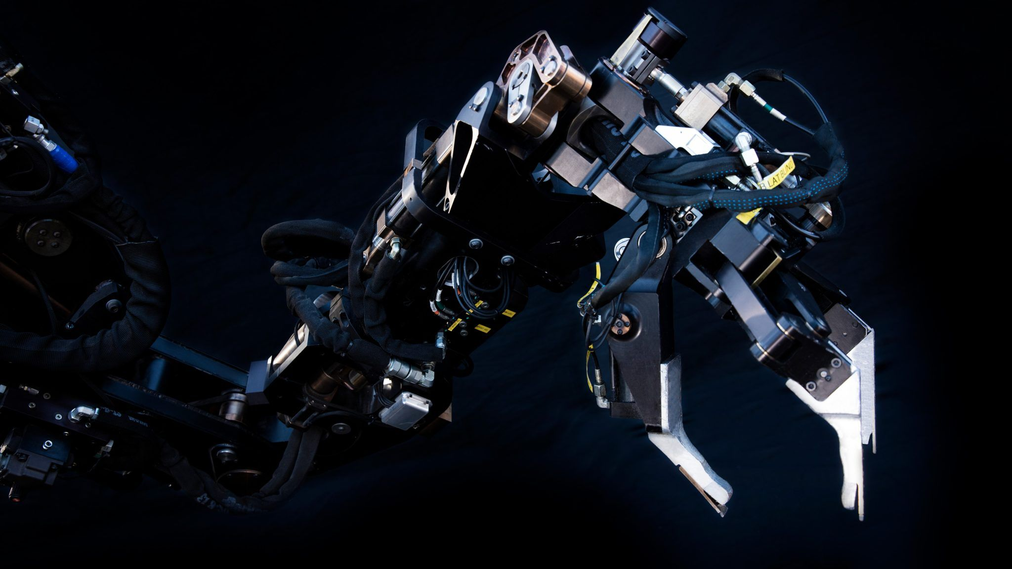 Sarcos GT's robotic arms can lift 1,000 pounds