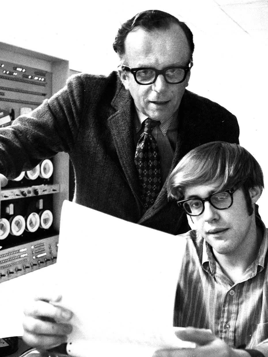 MIT Professor J.C.R. Licklider and student Jeff Harris, of Wayland, Mass., 1970