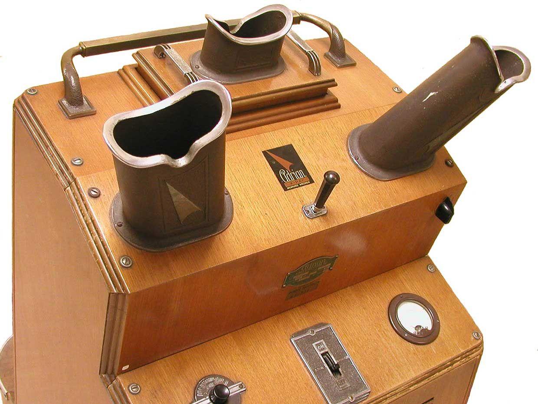 Photo of shoe fluoroscope.