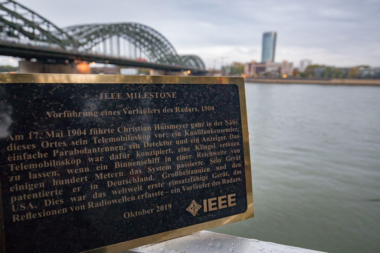 Image of the IEEE plaque.