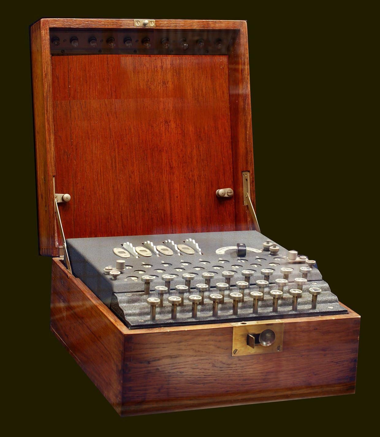 Enigma machine, 1939, SIRTI collection.