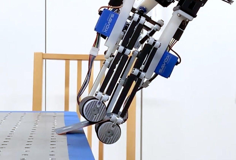 Stanford robot roller gripper