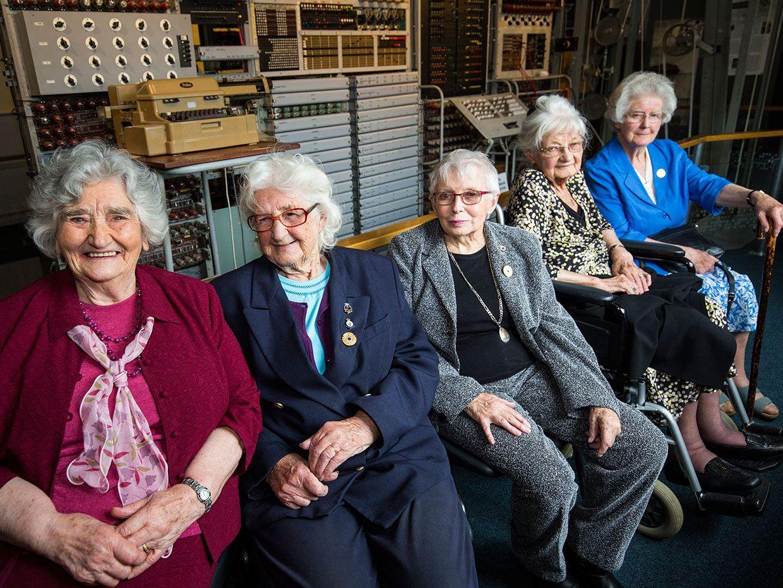 A 2016 Photo of 5 Colossus operators.