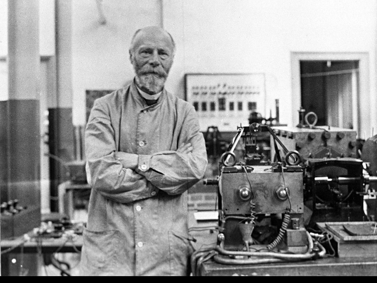 Willem Einthoven, Dutch Physiologist and Inventor