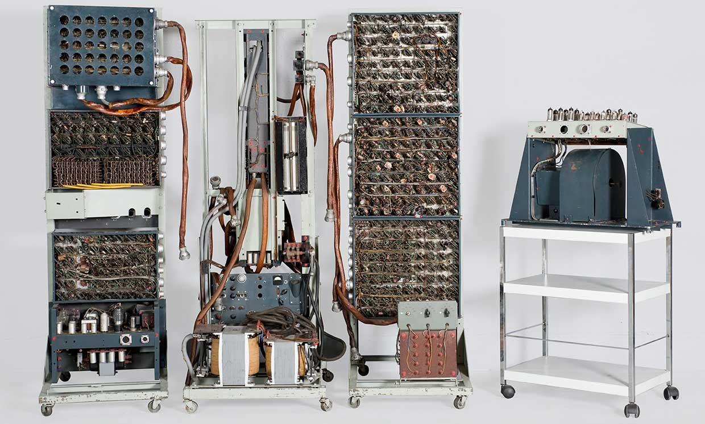 Couffignal's pilot machine/universal calculator