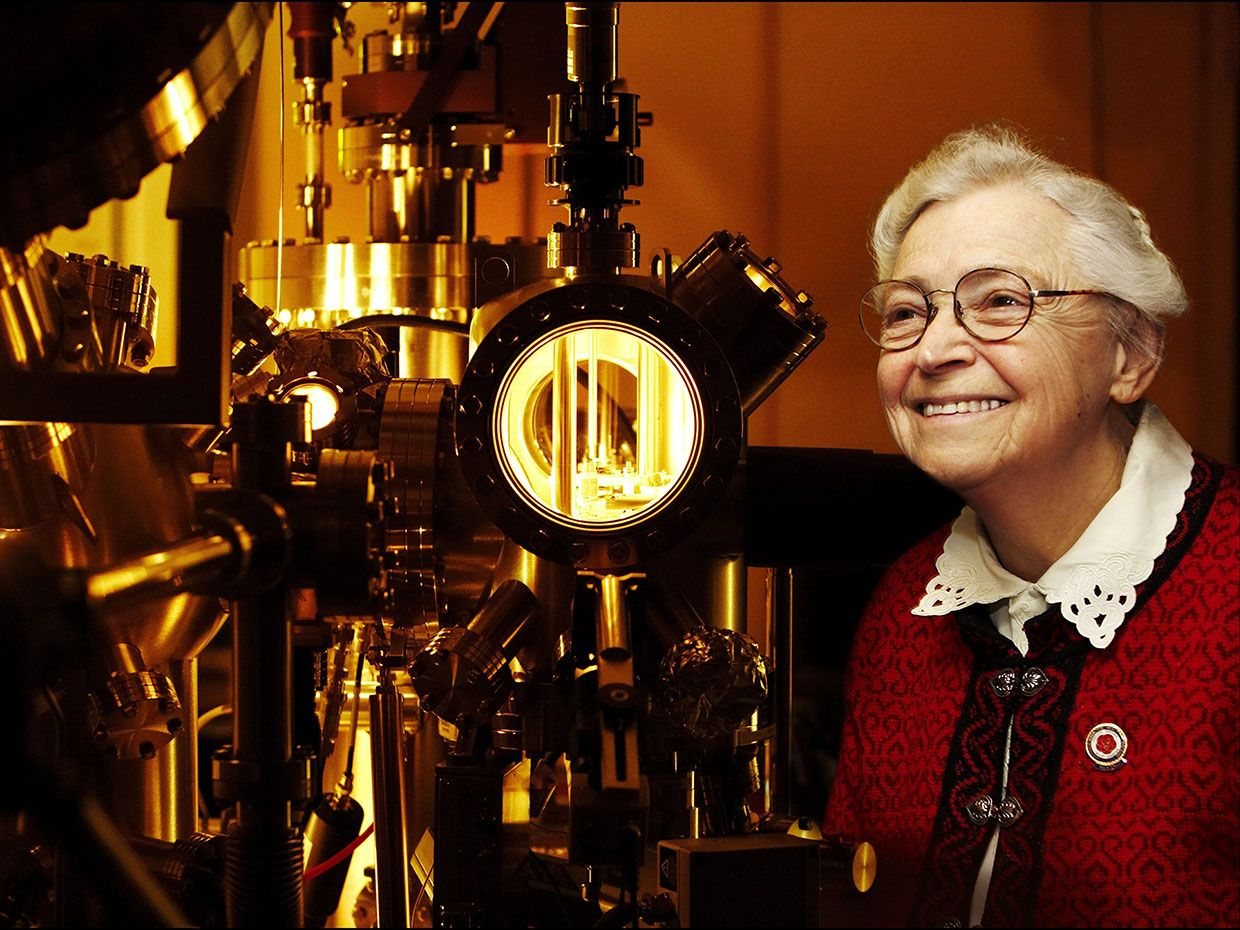 Mildred Dresselhaus, the 'Queen of Carbon Science,' Has IEEE Medal Named in Her Honor