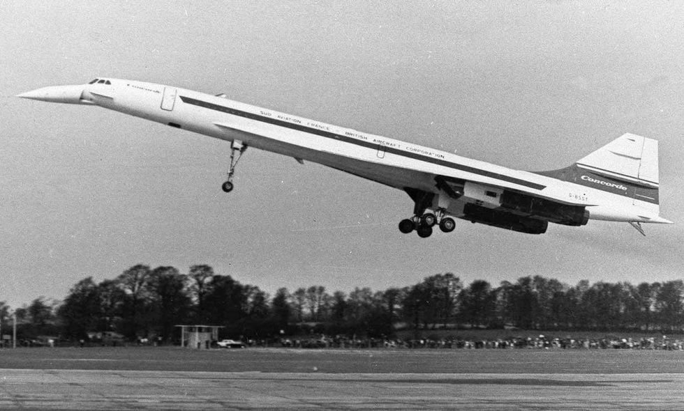 Image of the Concorder airliner, taking flight during a test flight in 1970.