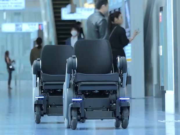 Self-Driving Wheelchairs Debut in Hospitals and Airports - IEEE Spectrum