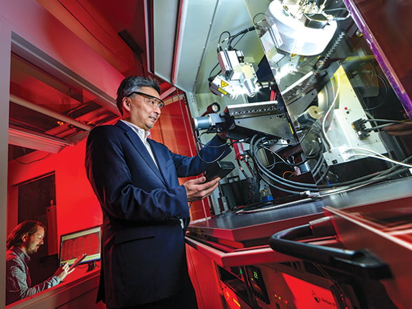 Professor Ichiro Takeuchi pictured with an X-ray diffractometer.