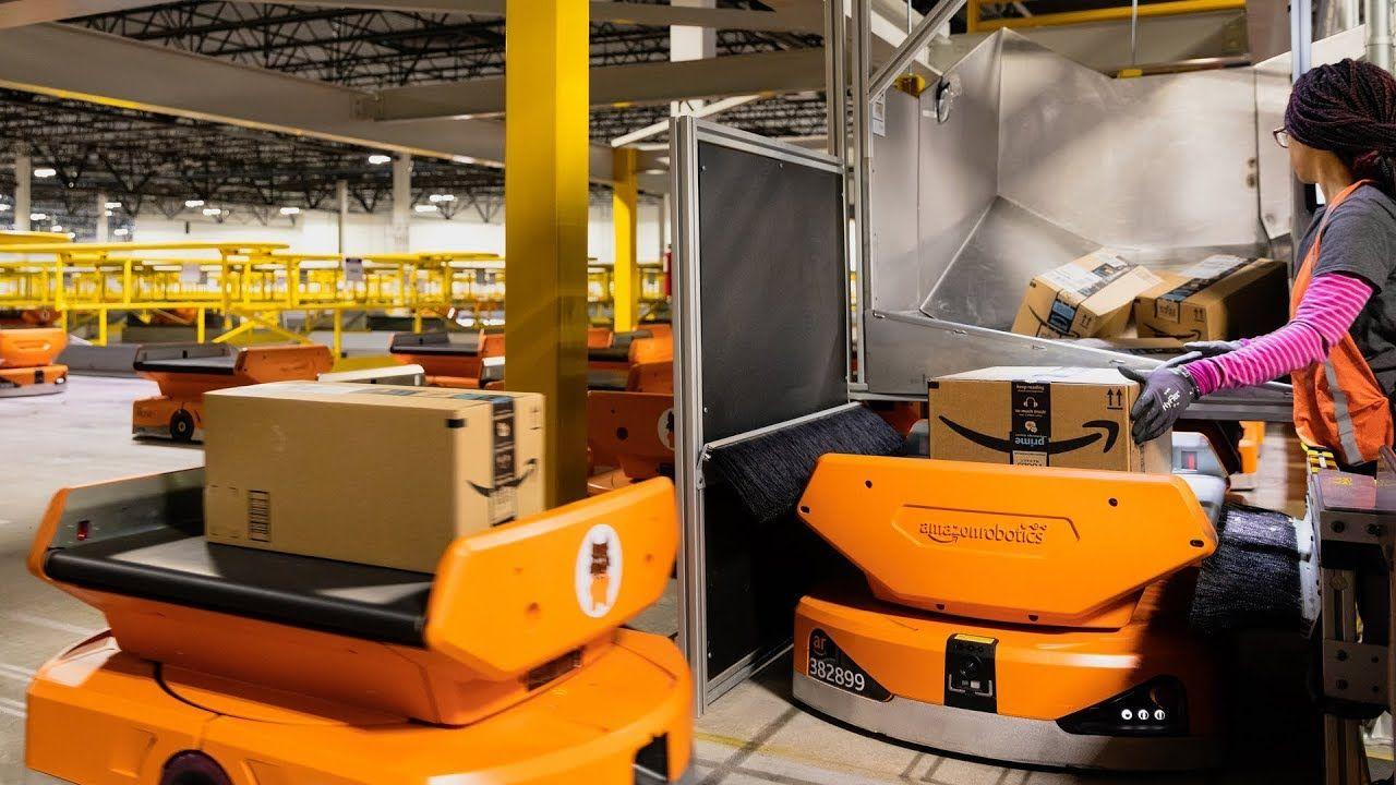 Amazon Uses 800 Robots To Run This Warehouse IEEE Spectrum