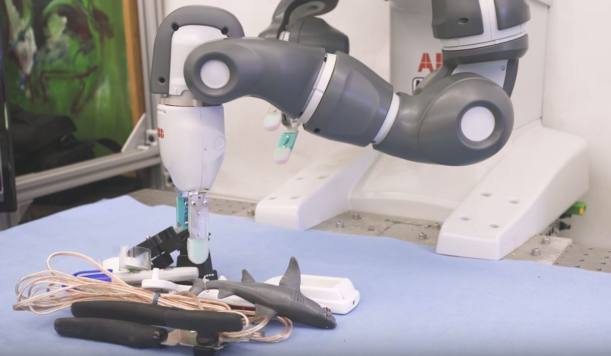 ABB YuMi arm grasps objects using Dex-Net 2.0 from UC Berkeley's AUTOLAB