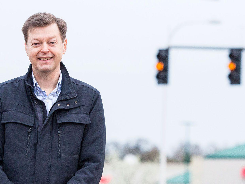 Should Yellow Traffic Lights Last Longer?
