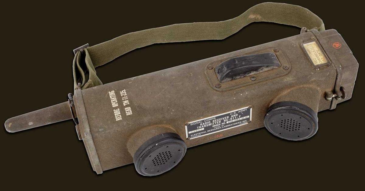 The SCR-536 Handie-Talkie Was the Modern Walkie-Talkie's Finicky Ancestor