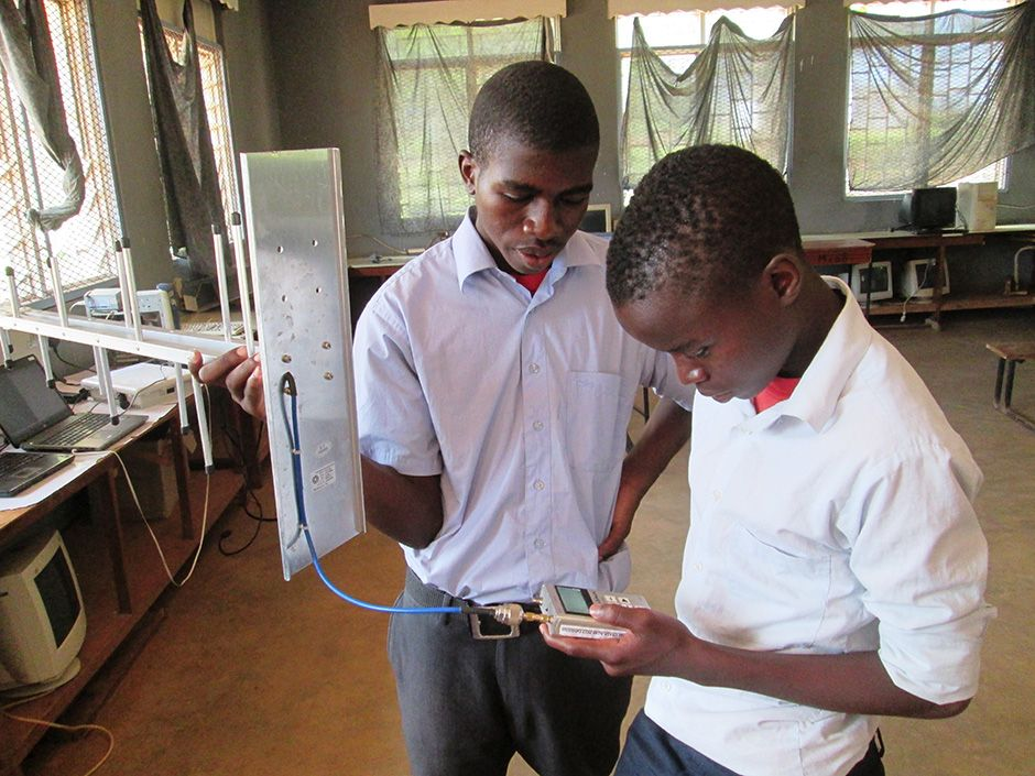 Mulanje students learn how to conduct spectrum scans, revealing which UHF frequencies are in use.