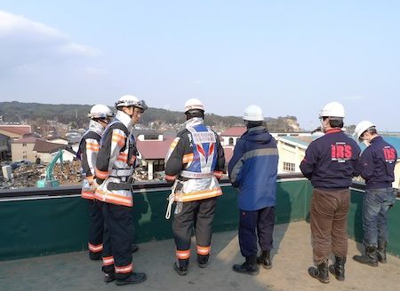 japan earthquake tsunami search and rescue robots
