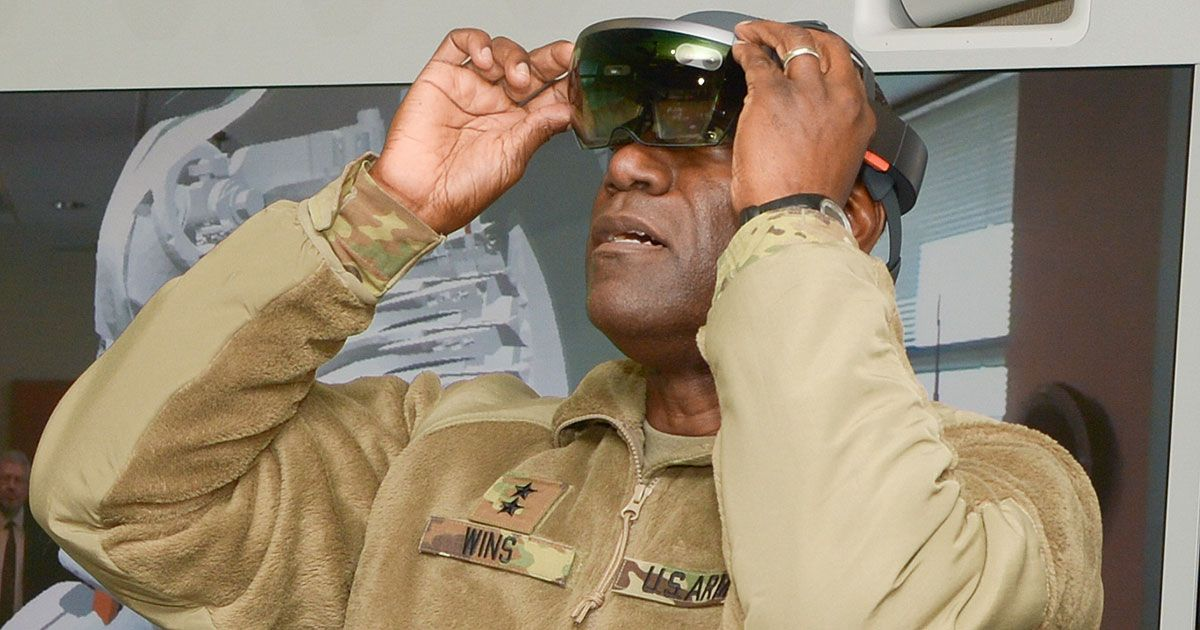 How Will the U.S. Military Use the Hololens on the Front Line?